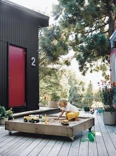 Bring the beach to you with the addition of a backyard sandbox. We've put together some of the coolest sandboxes for your kids to play in. Diy Projects For Kids, Backyard Projects, Outdoor Projects, Backyard Ideas, Backyard Layout, Outdoor Ideas, Backyard House, Backyard Kitchen, Backyard Games