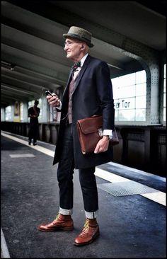 echt jetzt? wenn das wahr ist, aber egal wie alt der gute Herr ist, der Stil ist großartig!