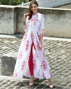 I'd prefer the slit a tiny bit lower, but, oh my! This is lovely! The Secret Label White Cotton Printed Front Slit Kurti Pakistani Dresses, Indian Dresses, Indian Outfits, Kurta Designs, Blouse Designs, Look Fashion, Indian Fashion, Muslim Fashion, Front Slit Kurti