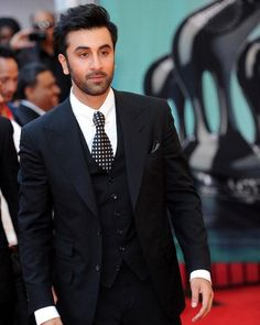 Holly hotness!  Ranbir Kapoor!