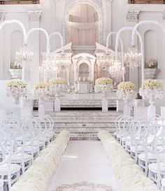 This picture has us dreaming of an all white wedding! - Still dreaming about the ceremony design! :) Design &Planning Flowers and design Rentals Venue Photography Image credit: Wedding Goals, Wedding Themes, Wedding Designs, Wedding Planning, Dream Wedding, Wedding Ideas, Star Wedding, All White Wedding, White Weddings