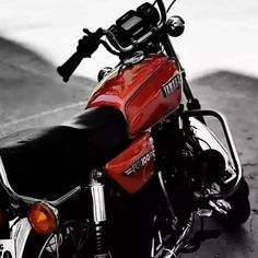Rx 100 Yamaha, Joker Wallpapers, Vintage India, Race Racing, Screen Wallpaper, Autumn Inspiration, Bikers, Jeeps, Om