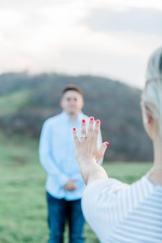 And this is the perfect proposal photo of the ring to announce the engagement. Engagement Photo Poses, Best Engagement Rings, Engagement Photo Inspiration, Engagement Pictures, Engagement Shoots, Engagement Photography, Wedding Engagement, Engagement Ideas, Best Marriage Proposals