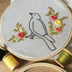Bird with Flowers Embroidery kit - Do it Yourself Embroidery Pattern - DIY Pattern - Modern Embroidery - Hoop art Embroidery Transfers, Learn Embroidery, Japanese Embroidery, Modern Embroidery, Embroidery Hoop Art, Crewel Embroidery, Hand Embroidery Designs, Vintage Embroidery, Ribbon Embroidery