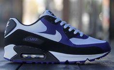 Nike Air Max 90.