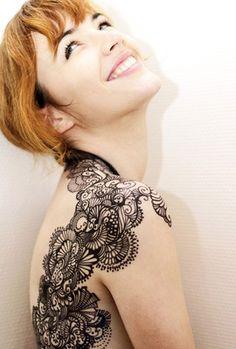 Make up by Noémie Choupis, via Behance