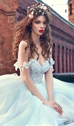 "In ""Les Rêves Bohémiens"", Galia Lahav weaved fantasy and romance in a beautiful bohemian fairy tale. The collection features fifteen of the dreamiest gowns (with names such as Cinderella and Snow White), in ice blue, ..."