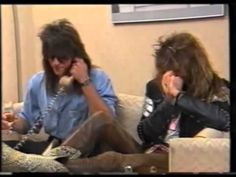 ▶ 30 Hilarious Minutes of Bon Jovi - Here's to 30 years Jon Bon Jovi, Keanu Reeves, Bon Jovi Videos, He Broke My Heart, Bon Jovi Concert, Bon Jovi Always, Raining Men, Greatest Songs, Horror