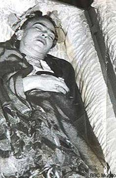 Frida in her casket