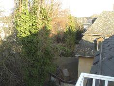 Blick vom Balkon ins (grüne) Diplomatenviertel. Balkon für BBQs geeignet :-)