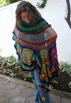 Dark Gypsy Free form Crochet Poncho for Artists por lorenaferreira