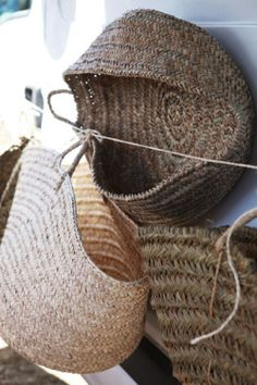 Pure style picnic for picnic Bountiful Baskets, Picnic Theme, Basket Bag, Back To Nature, Little Boxes, Wicker Baskets, Woven Baskets, Bamboo Basket, Sisal