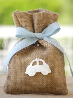 ΚΩΔ P002 Burlap Gift Bags, Fabric Gift Bags, Muslin Bags, Baby Shower Favors, Baby Boy Shower, Bomboniere Ideas, Party Giveaways, Christening Party, Burlap Projects