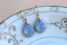 READY TO SHIP! Periwinkle Earrings Gold Lavender Blue Earrings Bridesmaid Earrings Wedding Earrings Bridesmaid Jewelry Gift Wedding Jewelry The periwinkle lavender blue teardrop measures overall 19mm by 12mm (including the loop). The glass in the middle of the teardrop measures 13mm by 10mm