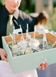 Empty drawers as drink servers, how shabby chic!