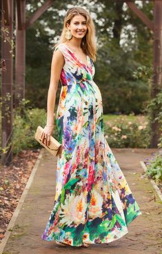To take the fuss out of finding a Summer wedding outfit, we've rounded up our favorite maternity dresses for varying wedding dress codes.