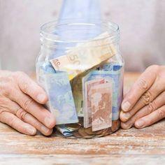Spar-Challenge in 52 Wochen: So sparst du in einem Jahr 1378 Euro Savings challenge in 52 weeks: How to save Savings Challenge, Money Challenge, Money Plan, Money Box, Savings Planner, Savings Jar, Budget Planer, Saving For Retirement, Retirement Planning