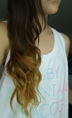 I wanna dip dye my hair a lighter brown on the bottom ♥