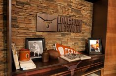 Explore photos of Longhorn Network's TV set design in this interactive gallery of the studio. Longhorn Network, Tv Set Design, Sport, Studio, Gallery, Home Decor, Deporte, Decoration Home, Roof Rack