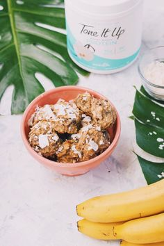 Tone It Up 7 Day Slim Down Healthy Cookie Recipe. 7 Day Slim Down Approved Coconut Macaroon Cookie! Healthy Cookie Recipes, Healthy Cookies, Healthy Sweets, Healthy Foods, Snack Recipes, Dinner Recipes, Healthy Eating, Tone It Up Protein, Coconut Protein
