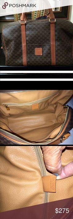 Vintage Celine XL Handbag This is a vintage Celine handbag with an outside pocket,-an inside pocket and an inside zippered one. Measuring 14x8x5 Celine Bags Satchels