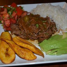 Slow Cooker Ropa Vieja (Cuban Shredded Beef Stew) Can't wait to try this! Slow Cooker Recipes, Crockpot Recipes, Cooking Recipes, Boricua Recipes, Mexican Food Recipes, Cuban Dishes, Great Recipes, Favorite Recipes, Cuban Cuisine