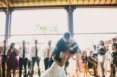 ¿Cómo recoger la cola del vestido de novia?