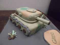 Army+tank+cake+photo+by+Sunny+Girl+Cakes+from+Flickr+at+Lurvely