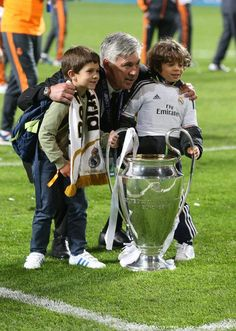 Carletto with Jon (Xabi's son) and Enzo (Marcelo's son)...