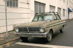 http://2.bp.blogspot.com/-D50I0fjOAYg/T_O5ThjW-cI/AAAAAAAALsA/SyUztxNN5Eo/s1600/1965-Ford-Falcon-Sedan.%2B-%2B01.jpg