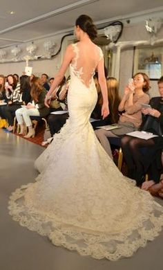 Ines Di Santo Calais: buy this dress for a fraction of the salon price on PreOwnedWeddingDresses.com