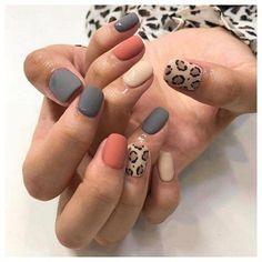 Aimer ces ongles léopard Love these leopard nails Aimer ces ongles léopard Coffin Nails, Acrylic Nails, Matte Gel Nails, Glitter Nails, Nagel Stamping, Nagellack Design, Ten Nails, Leopard Nails, Manicure E Pedicure