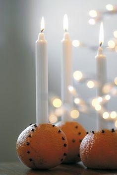 Make a beautiful advent gandles decoration using clove studded oranges Swedish Christmas, Noel Christmas, Scandinavian Christmas, Christmas Colors, White Christmas, Christmas Crafts, Christmas Decorations, Christmas Oranges, Yule