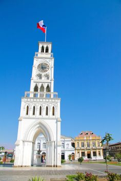 The Clock Tower of Iquique is a structure located in the Arturo Prat square of that city, in Chile. It was built in 1878 and its watch was imported from England. Chile, All Over The World, Tower, Deco, Country, Building, Places, Travel, Lugares