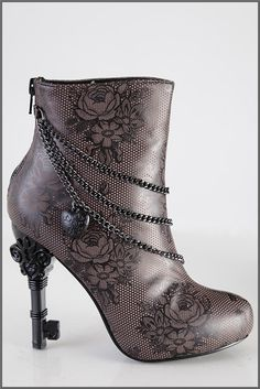 I would never wear these but I love the skeleton key heel. ♥