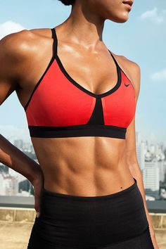 Your new go-to. The Nike Women Pro Indy Color-Block Sports Bra has adjustable straps for the perfect fit and mesh inserts for max breathability.