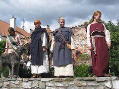 Female Iron Age Celtic Garb. Image by Terra Celtica, Poland.