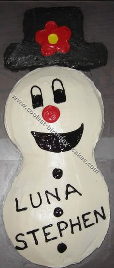 Happy Snowman Cake... This website is the Pinterest of Christmas cakes