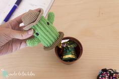 CAL Cactus – ¡Patrón cactus amigurumi GRATIS! – Amigurumi Duende de los Hilos Crochet Cactus, Hand Crafts, Cacti, Crochet Flowers, Tricot, Wool Yarn, Craft, Cactus Plants, Art Crafts
