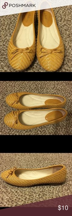 """Kelly & Katie yellow flats Adorable yellow """"woven"""" flats by Kelly & Katie. Only worn a few times - in great shape! Kelly & Katie Shoes Flats & Loafers"""