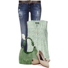 ≡ green outfit