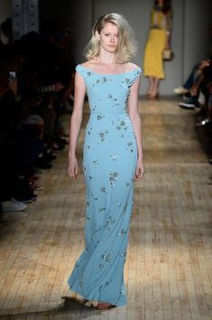 NEW YORK, NY - SEPTEMBER 09: A model walks the runway at the Jenny Packham fashion show during Mercedes-Benz Fashion Week Spring 2015 on September 9, 2014 in New York City.