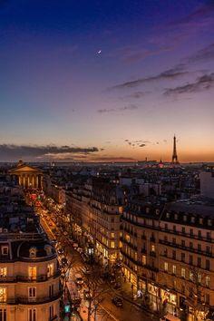 City Aesthetic, Travel Aesthetic, Photo Tour Eiffel, Places To Travel, Places To Visit, Aesthetic Backgrounds, Paris Travel, Dream Vacations, Beautiful Places