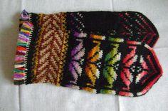 My Works, Color Patterns, Mittens, Knits, Needlework, Knitting Patterns, Finger, Gloves, Crochet