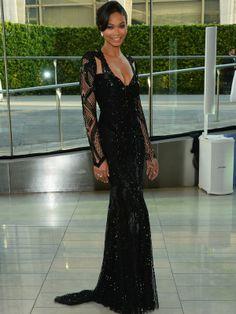 Chanel Iman apostou no vestido preto com pedras