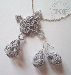 Tatting lace earrings pdf pattern plus tutorial for beginners Tatting Earrings, Tatting Jewelry, Lace Earrings, Crochet Earrings, Needle Tatting, Tatting Lace, Crochet Basket Pattern, Crochet Patterns, Tatting Tutorial