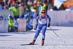 Gabriela Soukalová přijíždí na střelnici ve sprintu SP v Novém Městě na Moravě