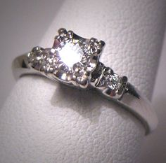 Art Deco setting circa :) - hey, that looks exactly like my ring Wedding Rings Vintage, Wedding Rings For Women, Diamond Wedding Rings, Wedding Jewelry, Three Stone Engagement Rings, Antique Engagement Rings, Vintage Diamond, Diamond Are A Girls Best Friend, Beautiful Rings