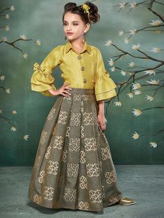 Girls Lehenga Choli 2020 Kids Choli Suits Buy Kids Lehenga Online - The world's most private search engine Kids Frocks, Frocks For Girls, Gowns For Girls, Dresses Kids Girl, Kids Party Wear Dresses, Kids Dress Wear, Kids Gown, Kids Wear, Raw Silk Lehenga