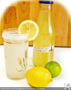 Zitronen - Sirup mit Pfefferminze und Zitronenmelisse, ein schönes Rezept aus…
